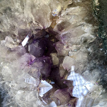 Load image into Gallery viewer, Amethyst Geode