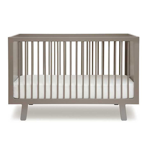 compra on line il lettino con sbarre sparrow crib di oeuf NYC su Apple Pie!