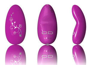 Beautiful intimate massager with five modes and floral motif