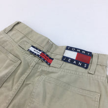 Load image into Gallery viewer, Tommy Hilfiger 90's Flag Shorts - W30