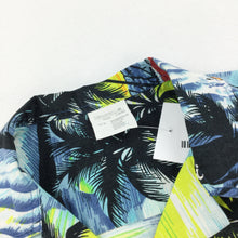 Load image into Gallery viewer, Hawaii 90s Shirt - Large
