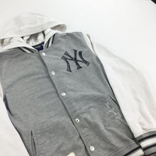 Load image into Gallery viewer, Majestic New York Yankees light Jacket - Small