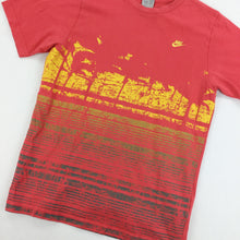 Load image into Gallery viewer, Nike Graphic T-Shirt - Medium