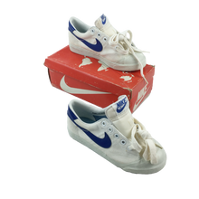 Load image into Gallery viewer, Nike 80s Court Canvas Sneaker - EUR36