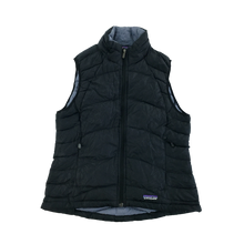 Load image into Gallery viewer, Patagonia Puffer Gilet - Women/Small