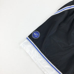 Nike 90s Basketball Shorts - Small