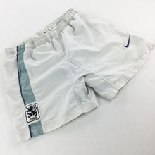 Load image into Gallery viewer, Nike 90s 1860 München Shorts - Small