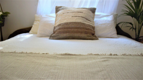 Light beige throw woven in Andalucia using recycled thread - eco throw detail