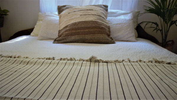 Cream throw woven in Andalucia using recycled thread - eco throw detail