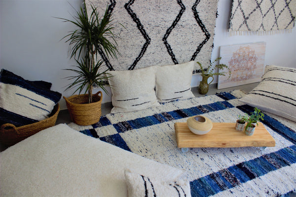 Dark blue Granada thick eco rug handmade in Andalucia - cream side
