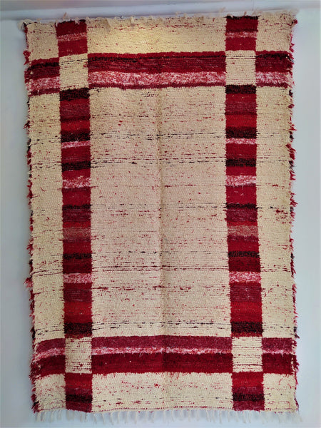 Red & off-white eco rug handmade in Spain with recycled cotton and machine washable