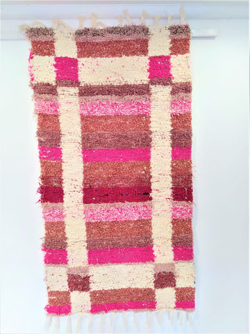 Pink & off-white eco handmade rug hecho a mano en Andalucia