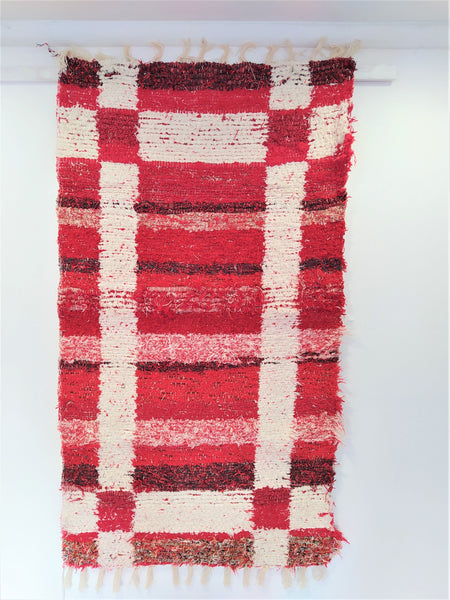 Red & off-white eco handmade rug hecho a mano en Andalucia