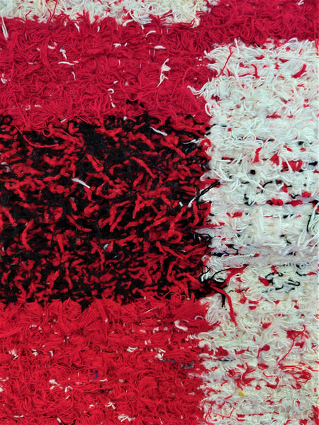 Detail of red & off-white eco handmade rug hecho a mano en Andalucia
