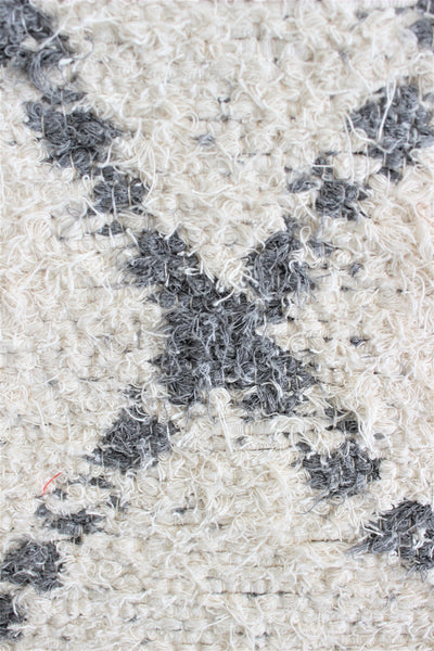Grey white Berber inspired thick eco rug handmade in Andalucia using recycled cotton - cream side detail