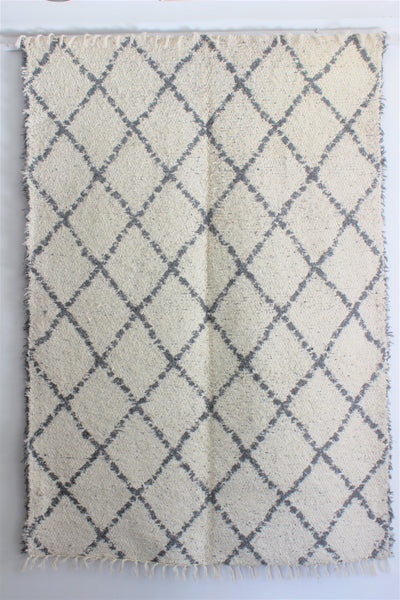 Grey white Berber inspired thick eco rug handmade in Andalucia using recycled cotton - cream side