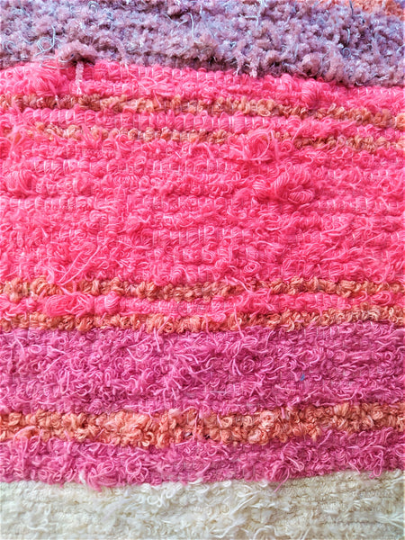 Pink & off-white eco handmade rug hecho a mano en Andalucia _ detail