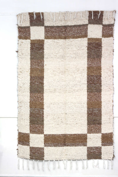 Brown Granada thick eco rug handmade in Andalucia - off-white side