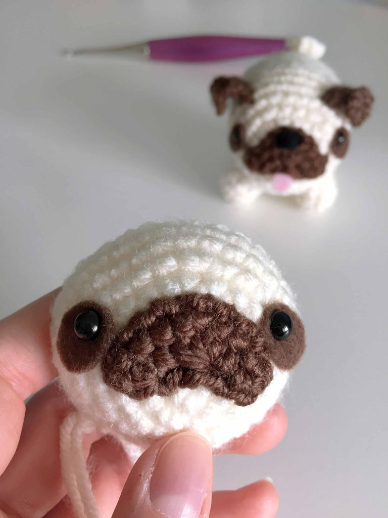 Baby Pug Dog amigurumi pattern - Amigurumi Today | 1024x768