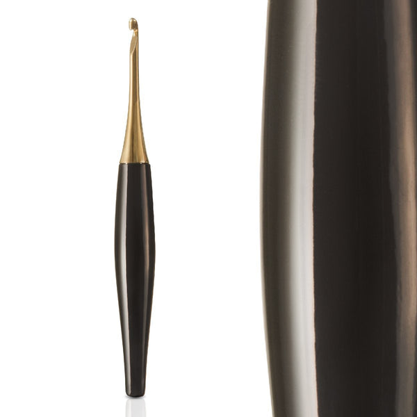 Odyssey Black & Gold Crochet Hook FurlsCrochet 2.25mm ( B )