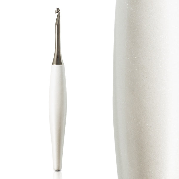 Odyssey White & Nickel Crochet Hook