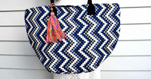 Load image into Gallery viewer, Zig Zag Oversized Handbag