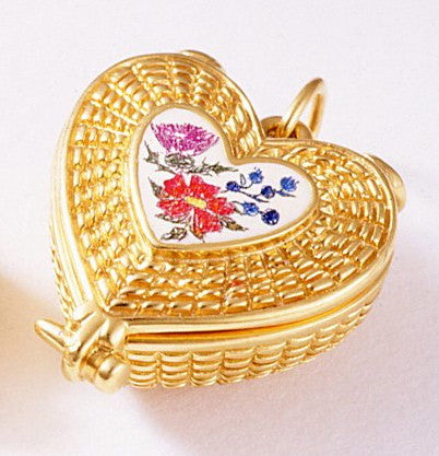 14k Heart Shape Basket with Handcrafted Scrimshaw 3/4