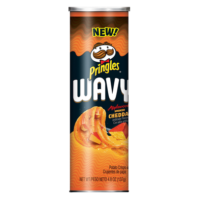 PRINGLES WAVY APPLEWOOD SMOKED CHEDDAR CRISPS 137G