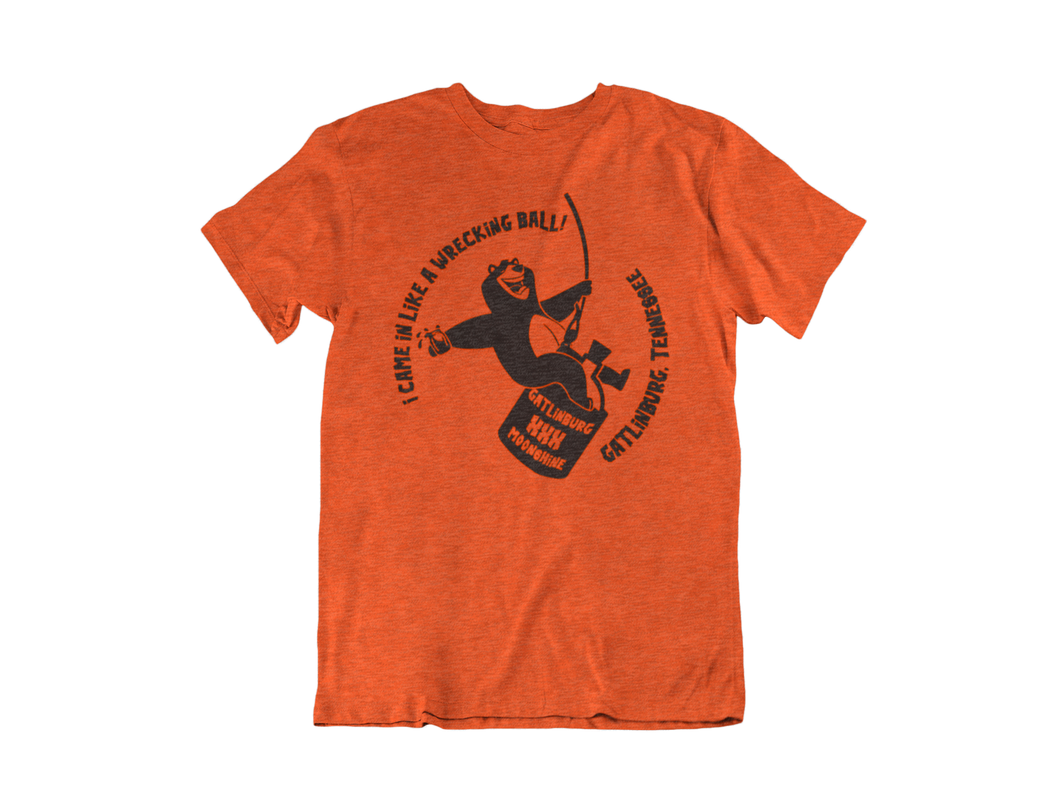 Wrecking Bear - Gatlinburg TN - Unisex short sleeve T-Shirt