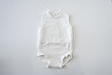 Load image into Gallery viewer, BABA linen onesie | ľanové body