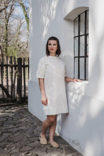 Load image into Gallery viewer, DEVA short-sleeved dress | šaty s krátkym rukávom