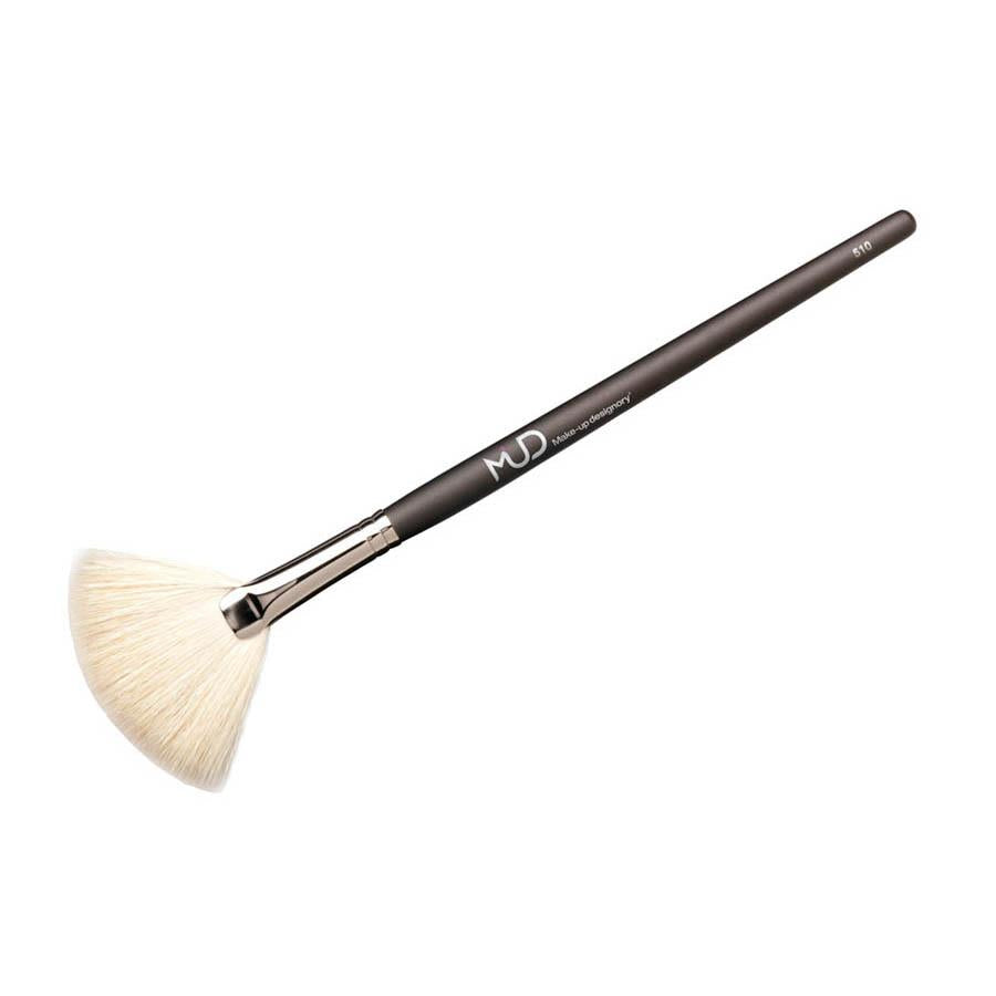 MUD Brush Large White Fan #510 ماد: فرشاة ٥١٠