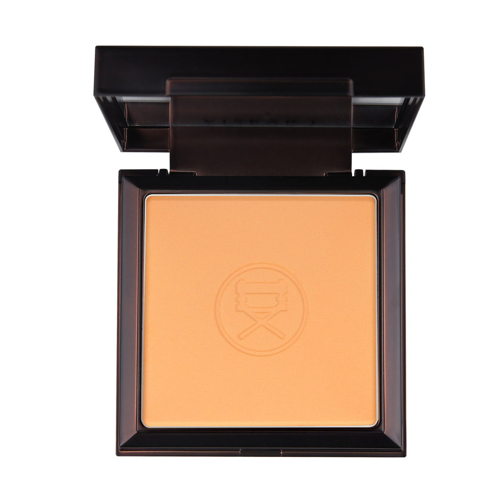 VISEART Sheer Velvet Pressed Powder (Saffron) ڤايزارت: بودرة مضغوطة شير فيلفت: سافرون