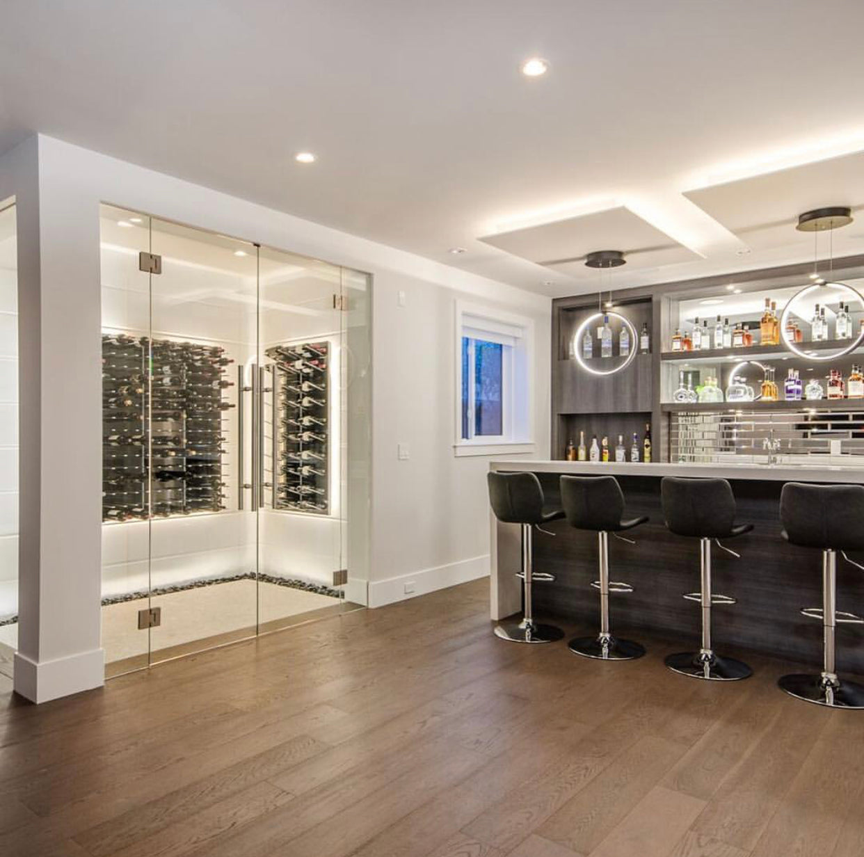 luxury home wine bar cellar design