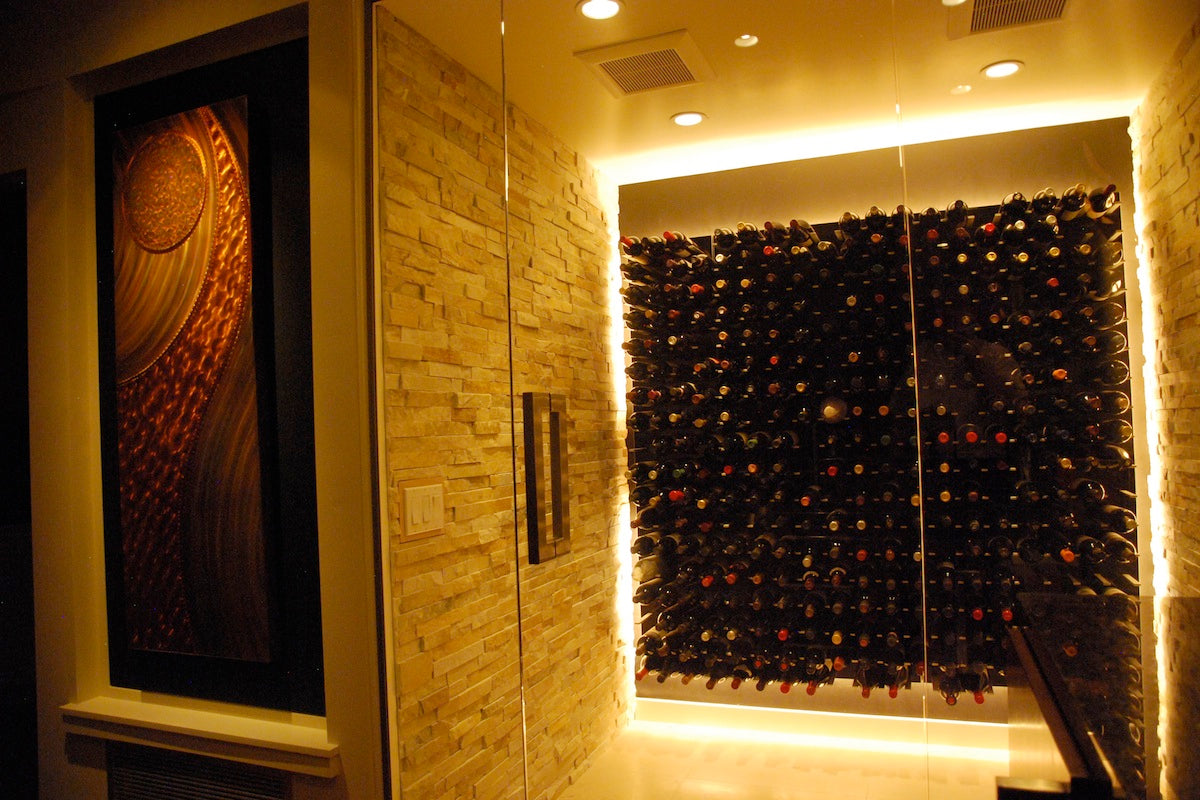 Glass enclosed wine cellar - Add Some Bling To The Home Wetbar With A Gorgeous Glass Enclosed Wine Cellar 5x6 Panels Piano Black