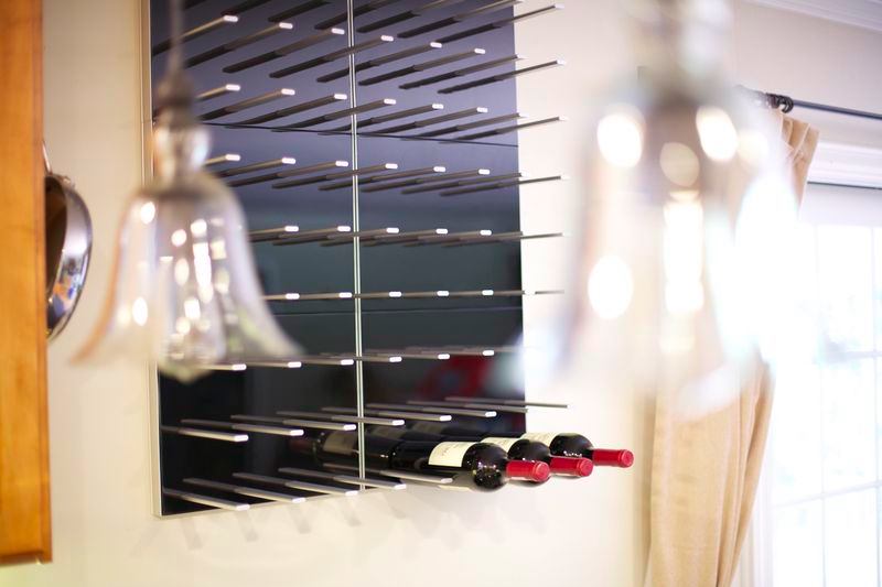 high-gloss piano black lacquer panel wine wall racks
