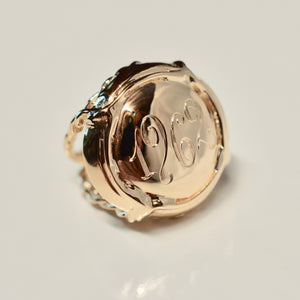 Champers Ring Gold Prestige Cuvée - Personalized and Hand Engraved