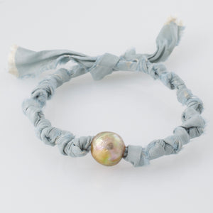 Seeds Of Silk Big Pearl Bracelet - Ocean Sky
