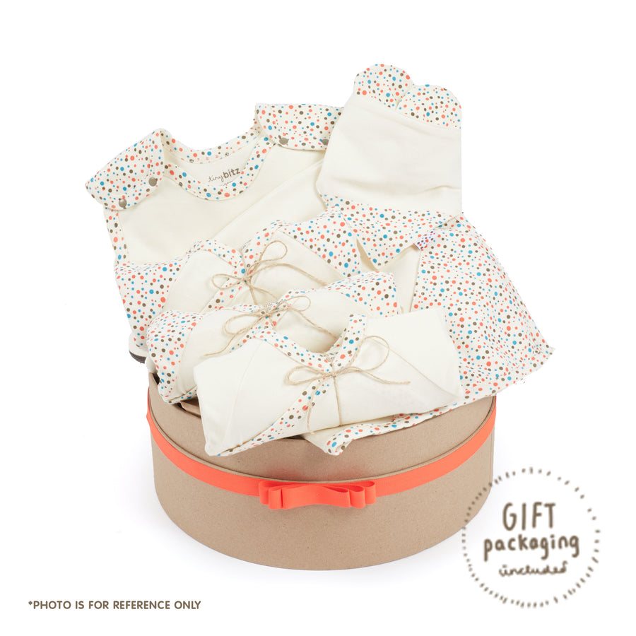 Summer Growing Kit Hamper for Newborn Babies (Tiny Dots)