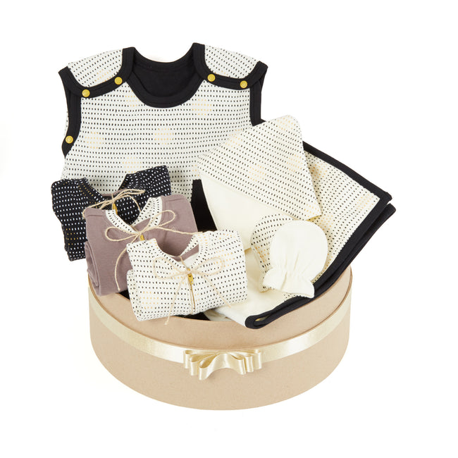 Summer Growing Kit for Newborn Babies - Essential 7-Piece Set (Spot the Dots)