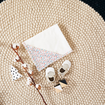 Christmas Set: Hooded Blanket + Moccasins (Tiny Dots)