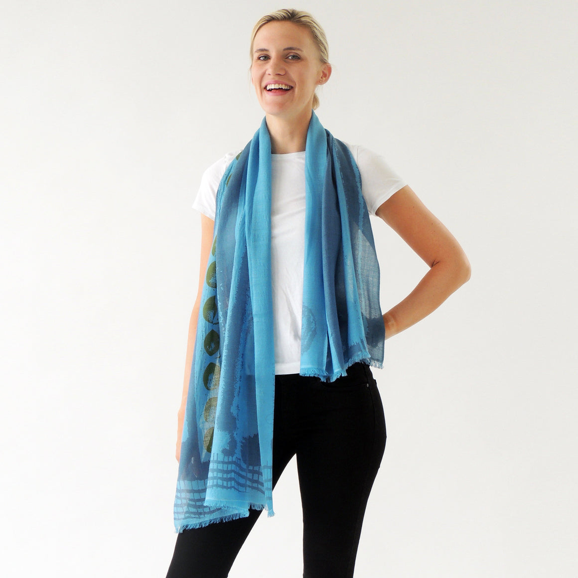 Cashmere and merino scarf