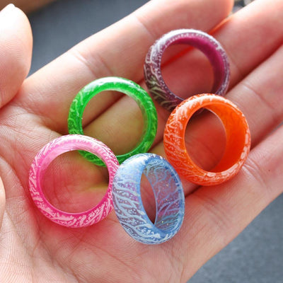 Fashion Colorful Luminous Resin Ring Women Men Fluorescent Glowing Rings Jewelry Glow In The Dark Finger Ring Band Halloween