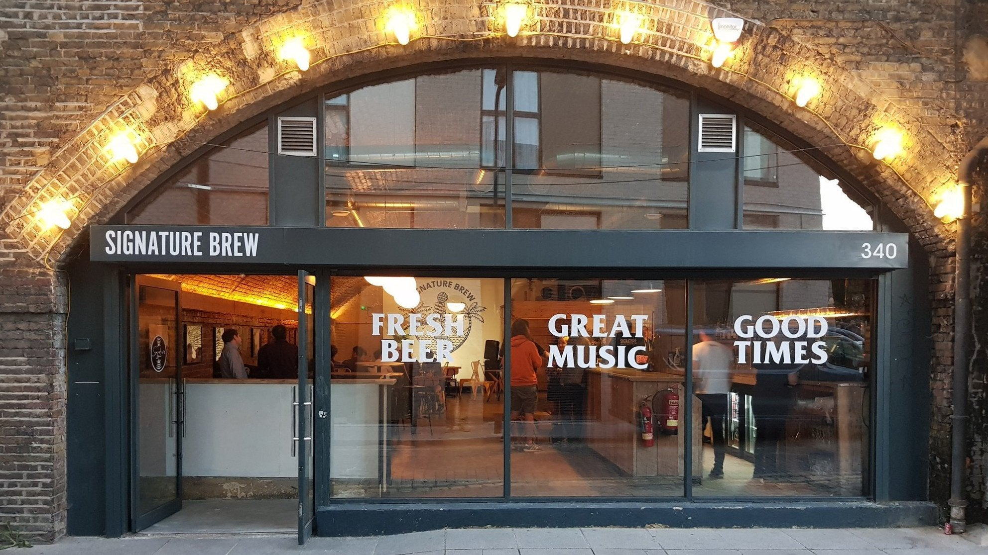 Signature Brew Taproom & Venue, Haggerston, East London - Craft Beer Bar