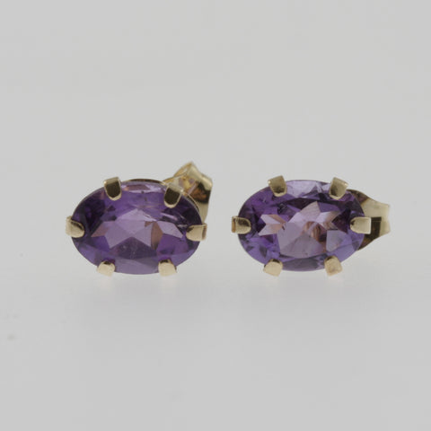 Amethyst oval studs in 10ct yellow gold 7x5mm