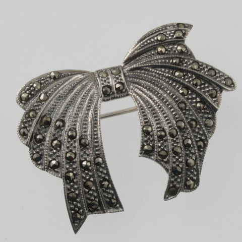 Bow brooch in marcasite and sterling silver