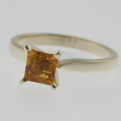 Citrine princess cut solitaire ring in yellow gold