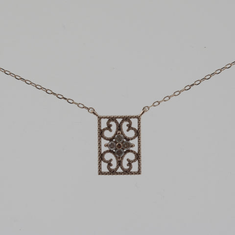 Detailed rectangle diamond and white gold necklace