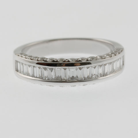 Diamond baguette ring band with side diamonds