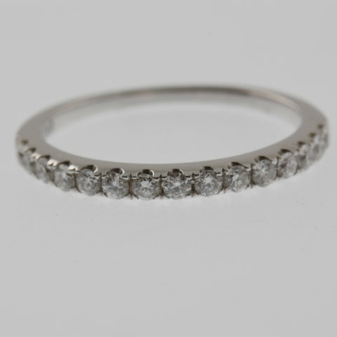 Diamond ring band claw set